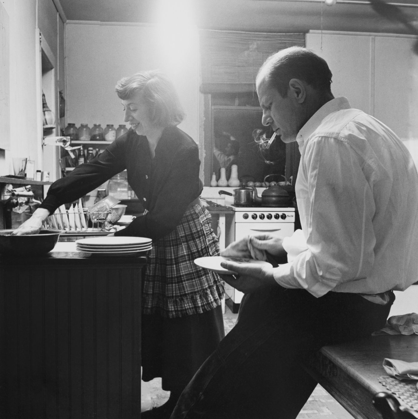 Lee Krasner and Jackson Pollock in their kitchen